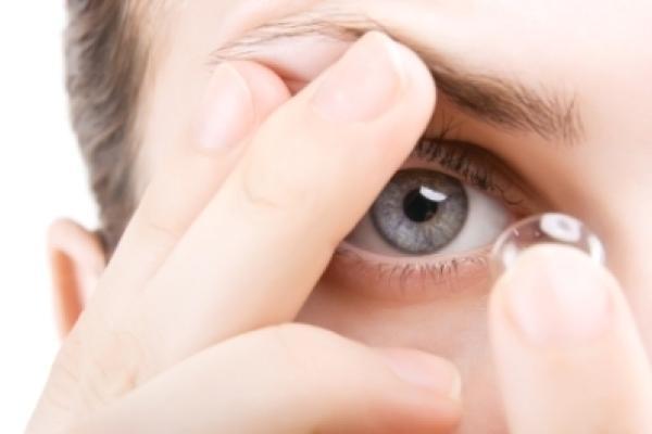 Comment les lentilles de contact fonctionnent-elles    CooperVision ... c821bf18ae22