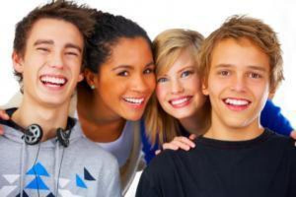Adolescence et lentilles de contact