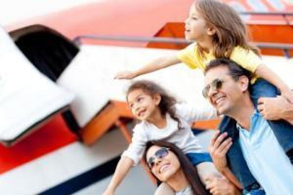 Conseils pour les porteurs de lentilles de contact qui voyagent à l'étranger